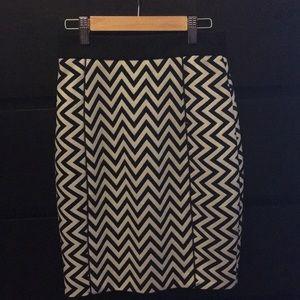 H&M Chevron black and white pencil skirt
